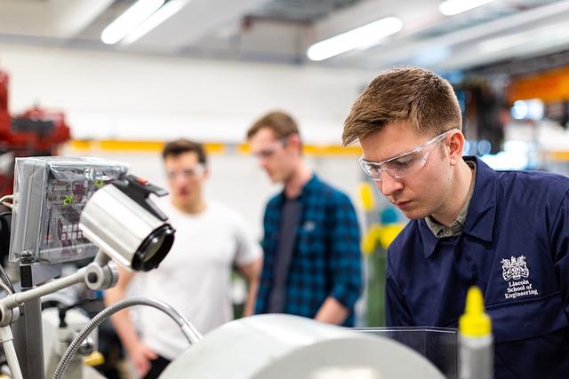 Maschinenbau GmbH kaufen - Firmen kaufen über den GmbHmakler.de - Millionen Umsätze